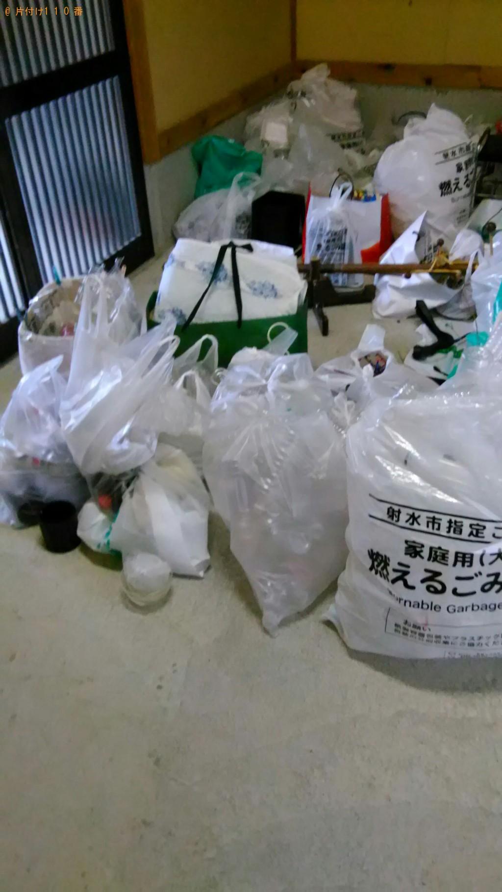 【射水市庄川本町】ハンガーラック、ペットボトル等の回収・処分