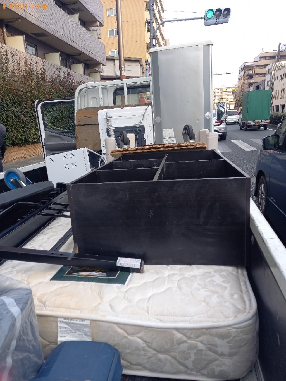 【三鷹市】遺品整理で冷蔵庫、洗濯機、マットレス付きシングルベッド等の回収